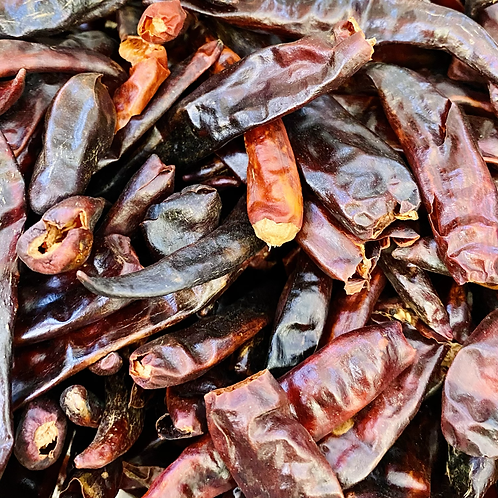 Organic whole dried chili peppers