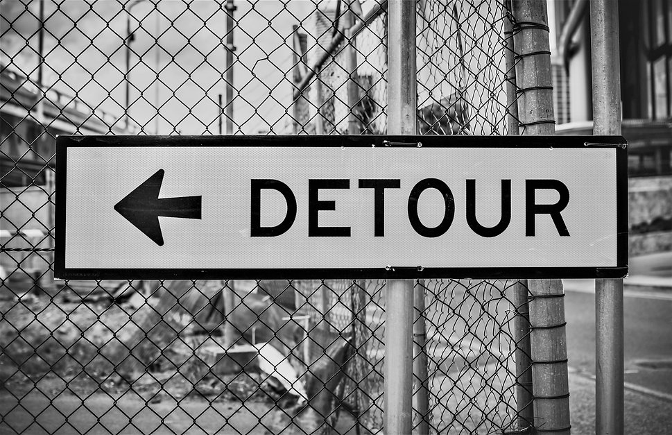 arrow-detour-security-1717728_bw.jpg