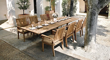 Gloster Bristol dining table and chairs.