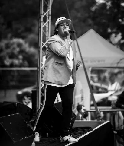 Bruno Mars Glenn4.webp