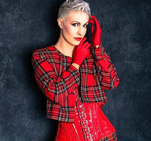 Annie Lennox Stacy Greenf.jpg