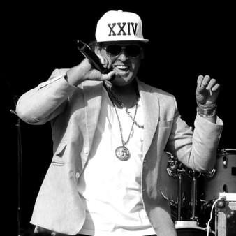 Bruno-Mars-Tribute-Act-Mars-Live1_edited
