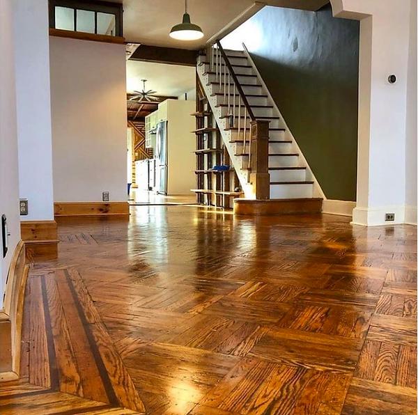 Linseed oil varnished floor.png