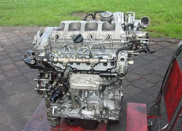 Bloc moteur nu  TOYOTA AVENSIS 2,2 2AD