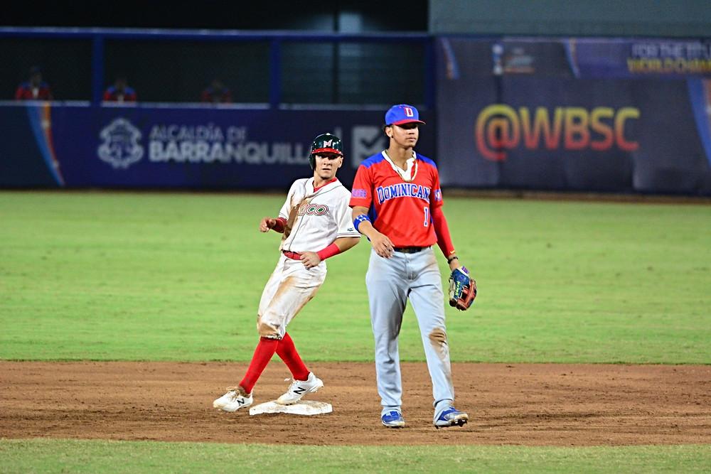 Superaron 3-1 a República Dominicana y el domingo chocarán ante Japón por el título mundial de la categoría
