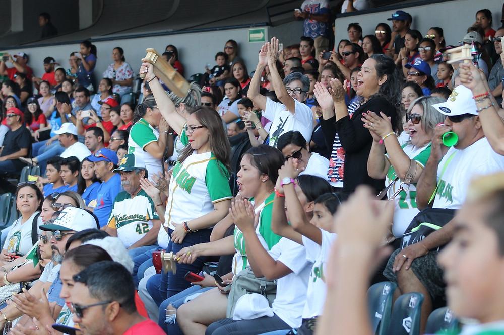 Aficionados en la inauguración de Serie Nacional Ligas Pequeñas 2018