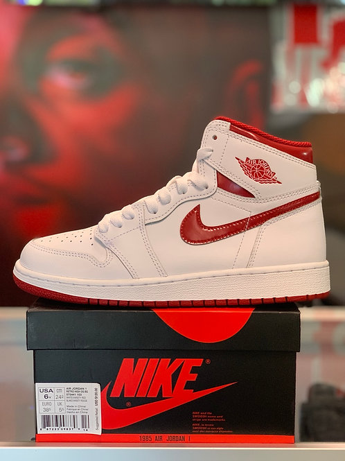 "Air Jordan 1 Retro ""Metallic Red"" (GS)"
