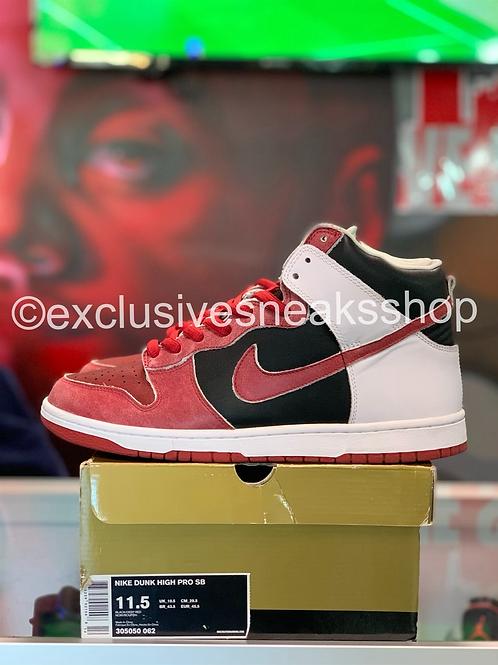 "Nike SB Dunk High ""Jason Voorhees"""