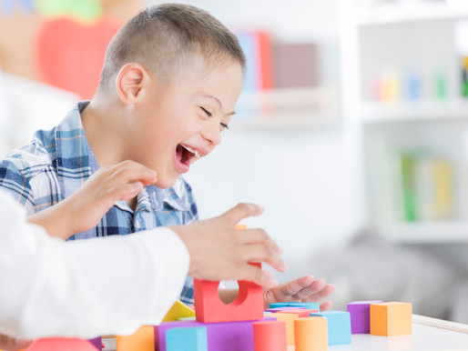 Eingliederungshilfe für ein behindertes Kind und Inklusion an einer Regelschule