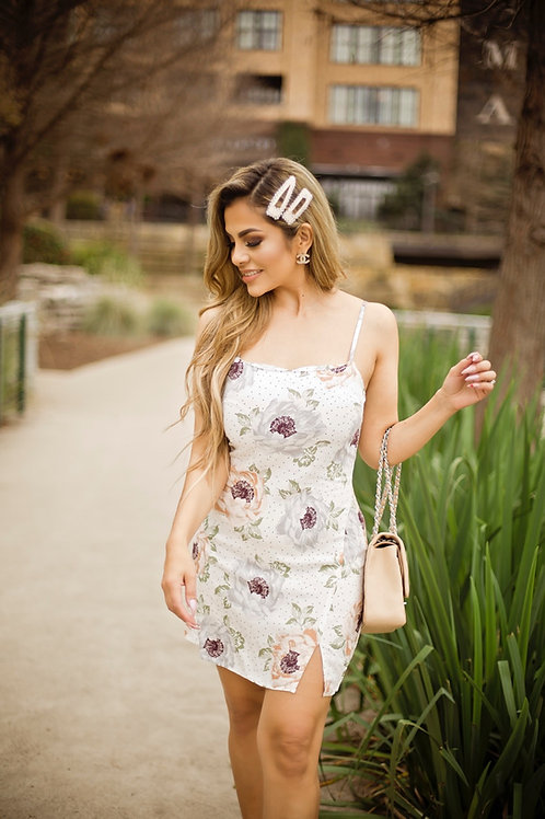 Springing in roses & polka dots dress