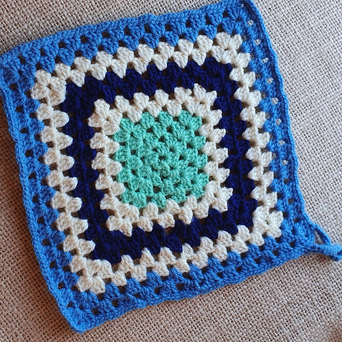 Hand Made Square Pan Mat Blue/White/Navy/Green 23cmpan