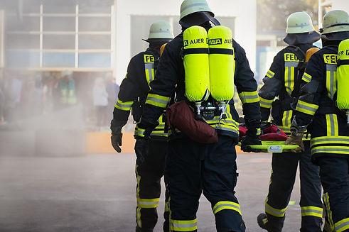 fire-fighting-4495488_1920.jpg