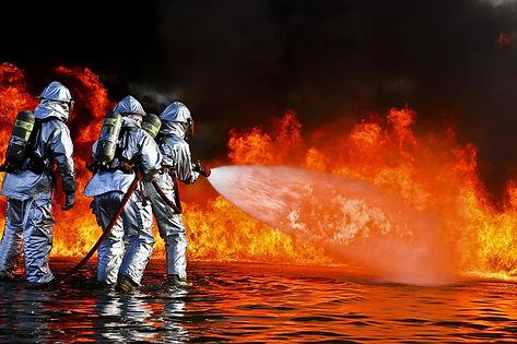 firefighters-696170_1280.jpg