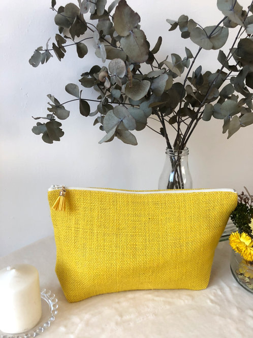 Trousse en toile de jute jaune