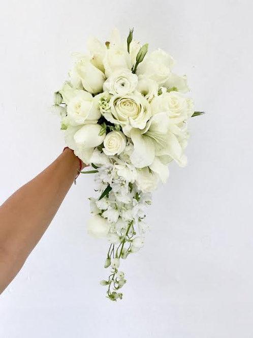 R: CASCADA WHITE