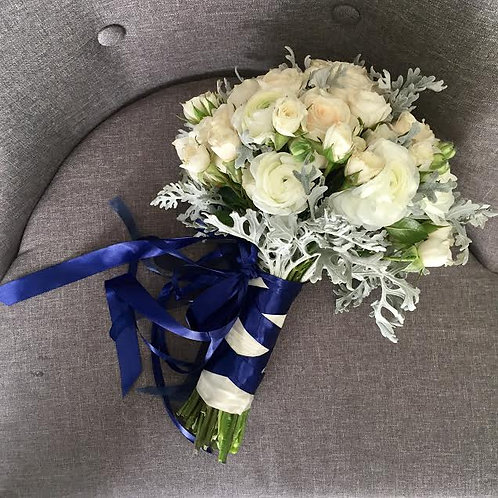 H: BOUQUET BLUE MOON