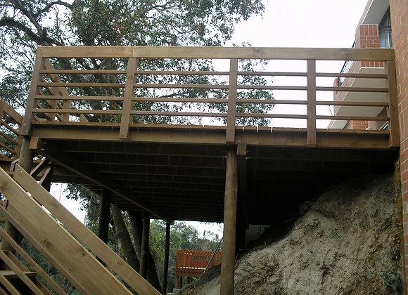 Deck en Alto con Baranda Horizontal