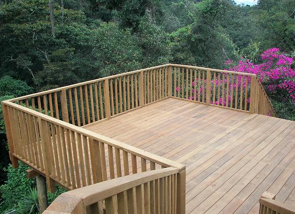Deck en Alto con Baranda Vertical