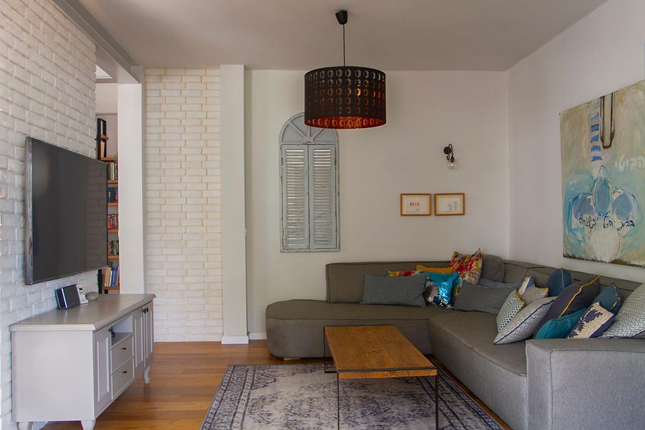 Private House in Tel Mond area