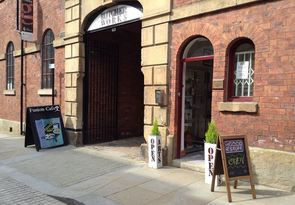 Gill's Clay Creations sells her jewellery, cards and gifts at this Craft/Art Gallery in the heart of Sheffield