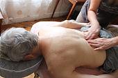 Geste éventail du massage hypothénuse
