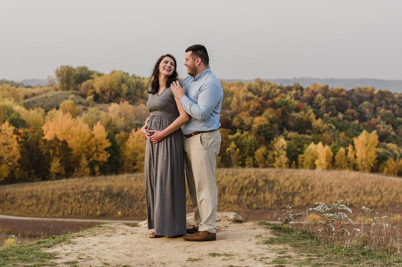 La Crosse, Wisconsin Maternity Photoshoot