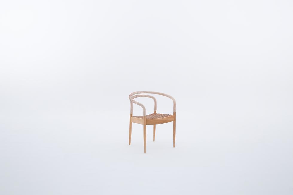 Cadeira_Bambolê_lado_still.tif