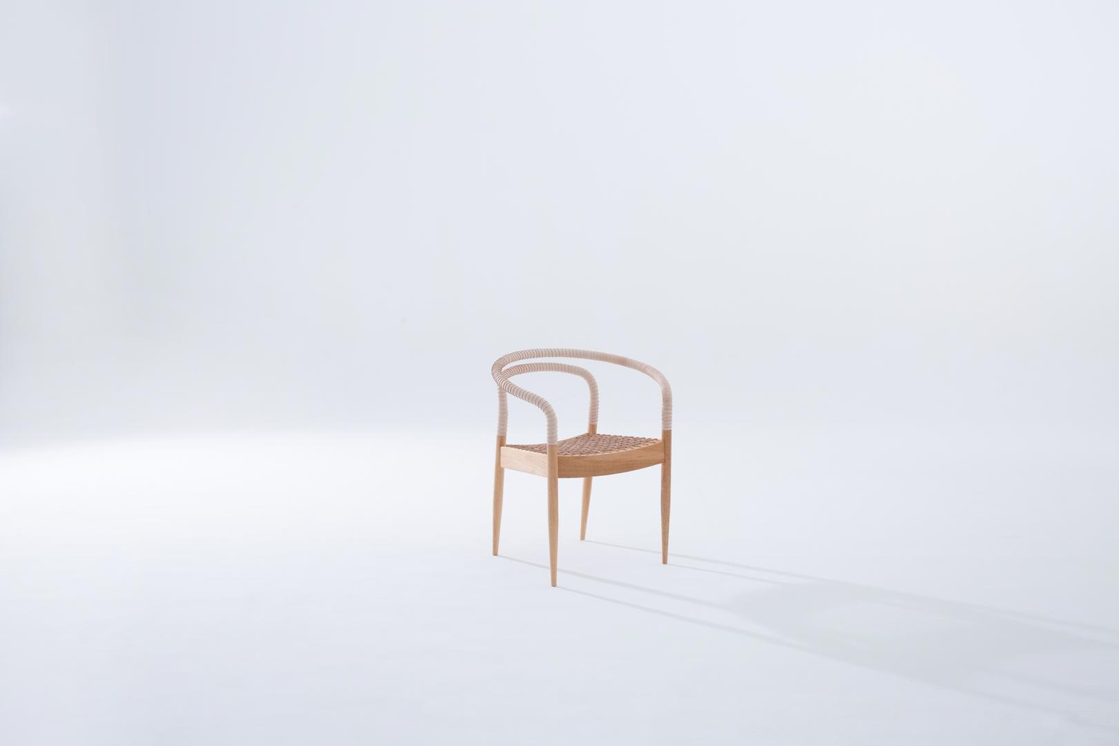 Cadeira_Bambolê_lado_site.tif