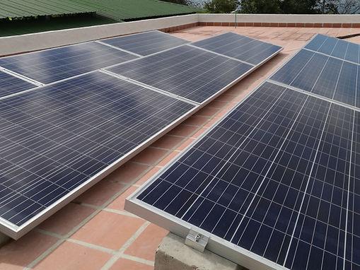 SOEFI SAS Energía Solar Fotovoltaica Calentador Solar Piscinas