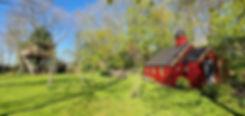 kapel en boomhut het kleine paradijs.jpg