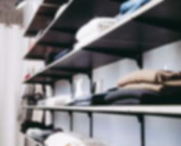 black-gondola-shelf-1884579.jpg