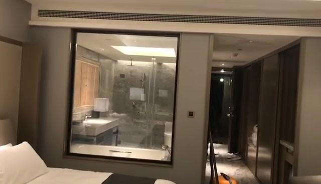 Hotel Fixed window