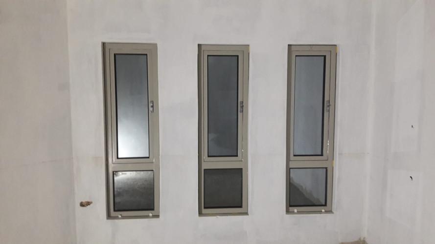 3 vertical windows