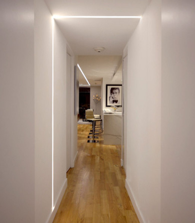 Simple right angle use in hallway