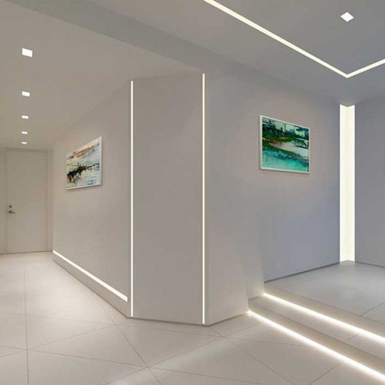 Linear lighting showroom