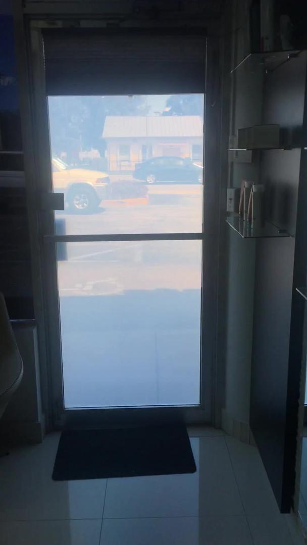 Salon single door