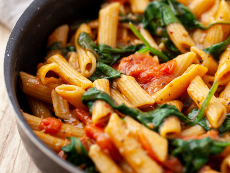 One-Pot Pasta with Cherry Tomatoes and Spinach