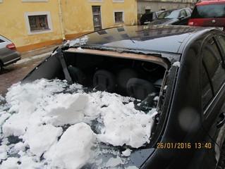 TK eemaldab jääpurikad ja liigse lume katuselt