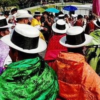 Cholitas con sombreros