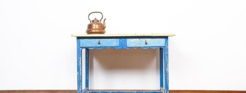Brocante landelijke boerentafel tafel werktafel werkbank blauw patina geleefd Scandinavisch antiek