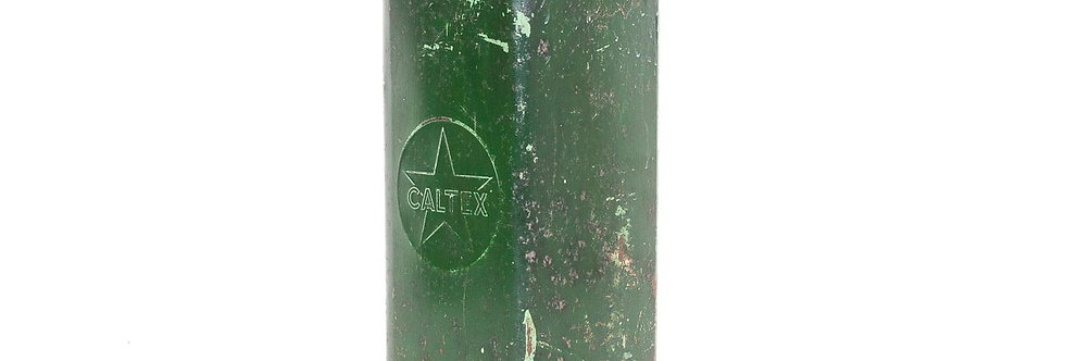 Jaren 50 1950 olieblikken olie blik  Caltex man cave decoratie