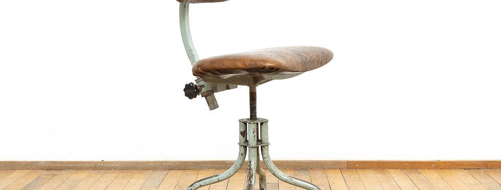 Industriële vintage krukken kruk stoel stoelen industrial metal workshop werkplaats industrieel antiek antieke