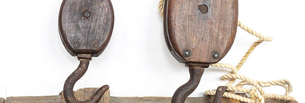vintage antieke houten scheepskatrollen katrol katrollen schip industrieel industriële