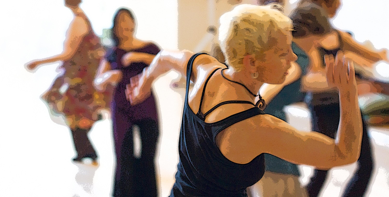 01_Woman_Dancing_29