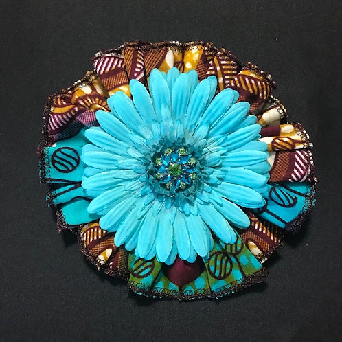 Medium Exotic Turquoise, Turquoise flower with blue/green center