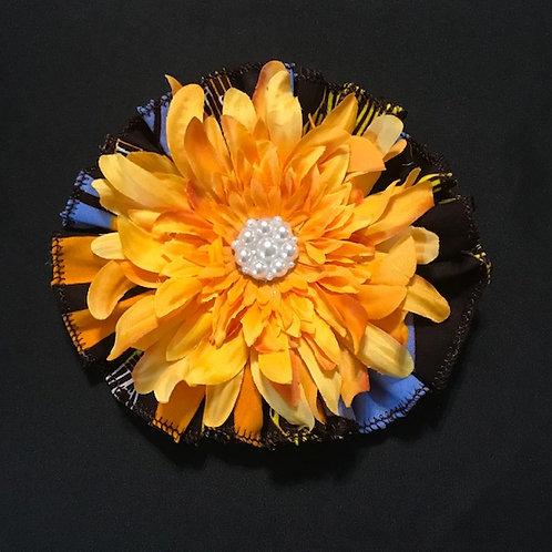 Medium Nile River, yellow flower