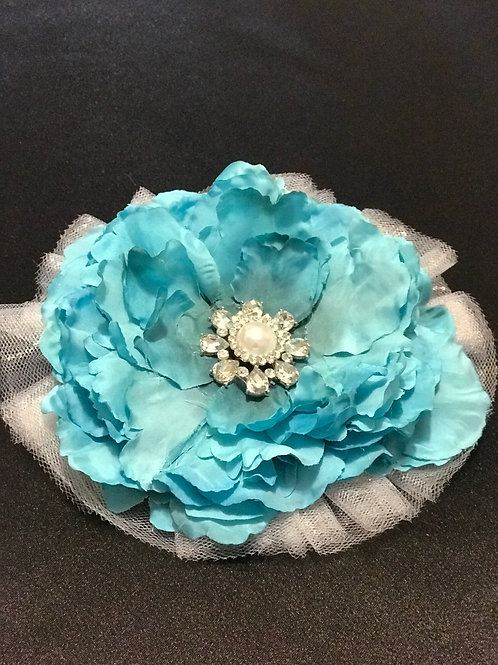 Medium turquoise with rhinestone/pearl center