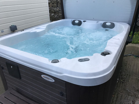 Finished/Complete Clean Hot Tub