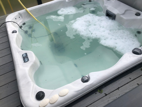 Dirty Hot Tub Needs Cleaning) (Before)