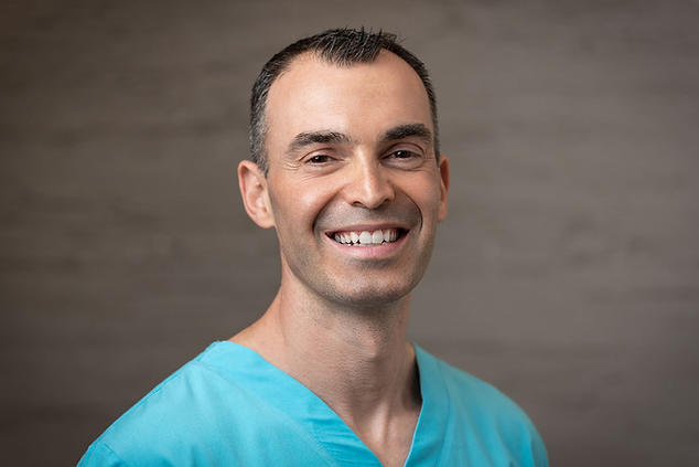 אופיר זהבי רופא שיניים